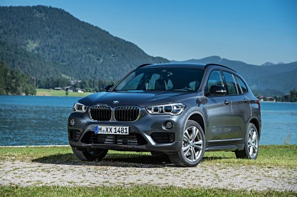 P90190751_lowRes_the-new-bmw-x1-on-lo