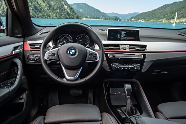 P90190759_lowRes_the-new-bmw-x1-on-lo